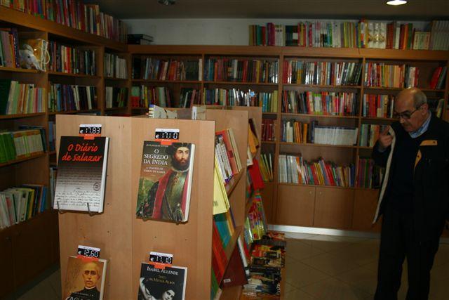 [interior+livraria+casimiro_1807.JPG]