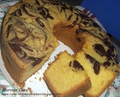 Just My Ordinary Kitchen Marmer Pound Cake