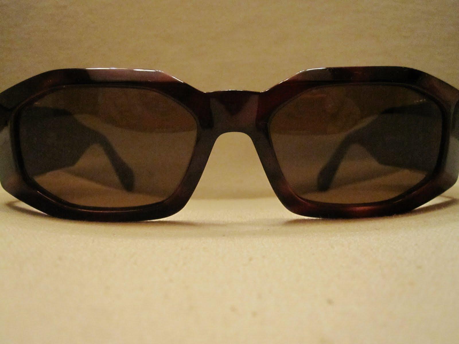 ce788840d1b6 GIANNI VERSACE VINTAGE Medusa Sunglasses as NOTORIOUS BIG Mod 414/H Col 900  Swarowsky