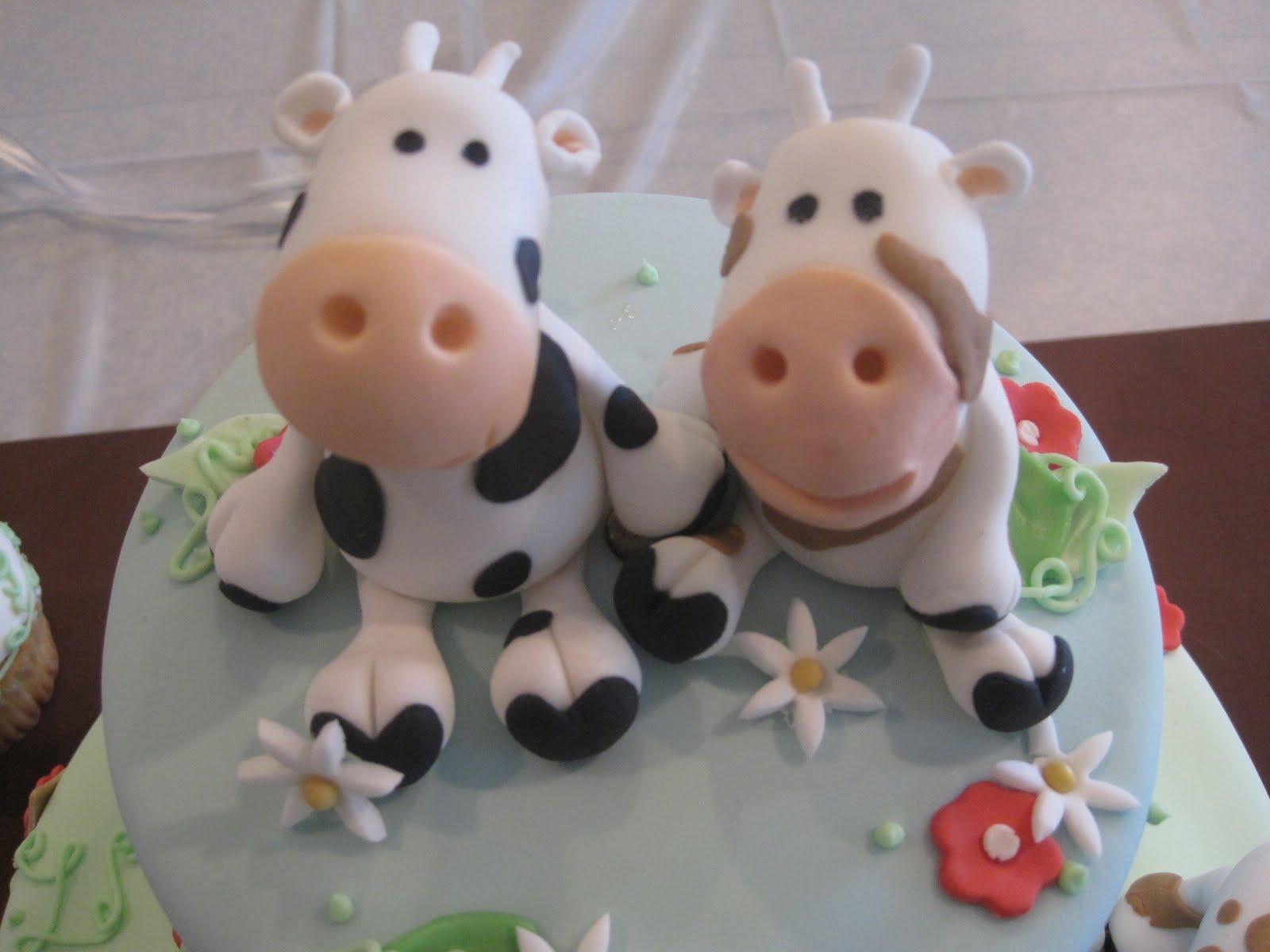 Custom Cakes Cow Cake