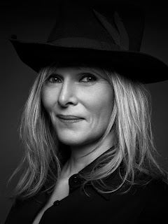 Annemarie Iverson chats about working for Bobbi Brown cosmetics