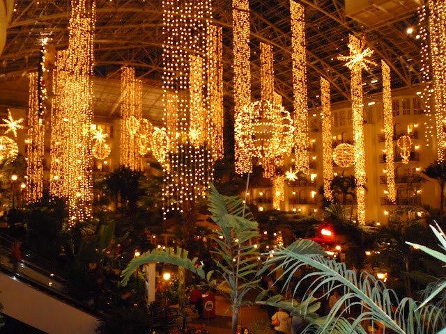 christmas lights at gaylord opryland hotel nashville tennessee