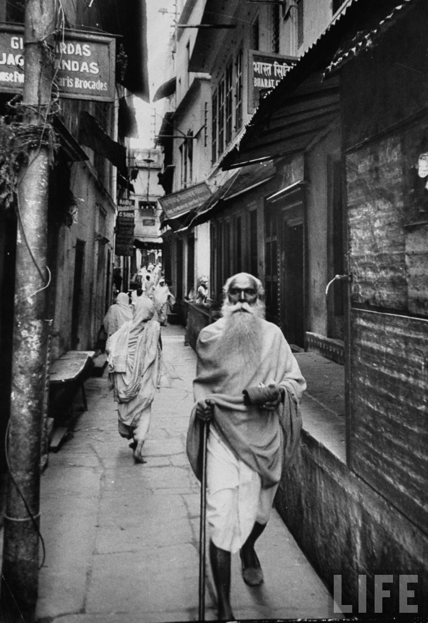 Varanasi Lane - 1953