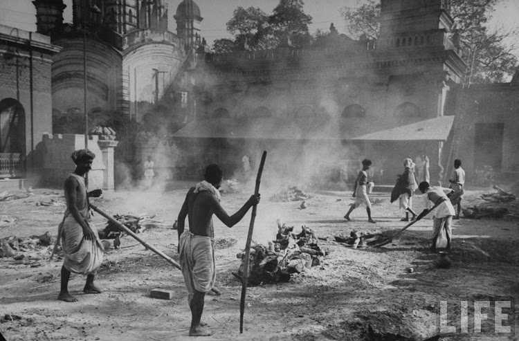 Hindus burning their starved dead at the Calcutta Myrone Memorial