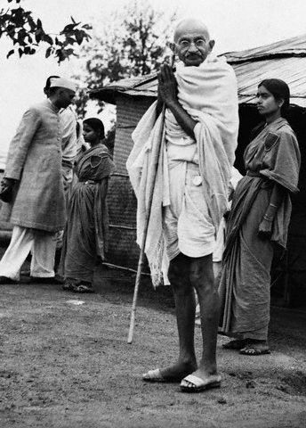 Mahatma Gandhi acknowledging the greetings of supporters - 1940