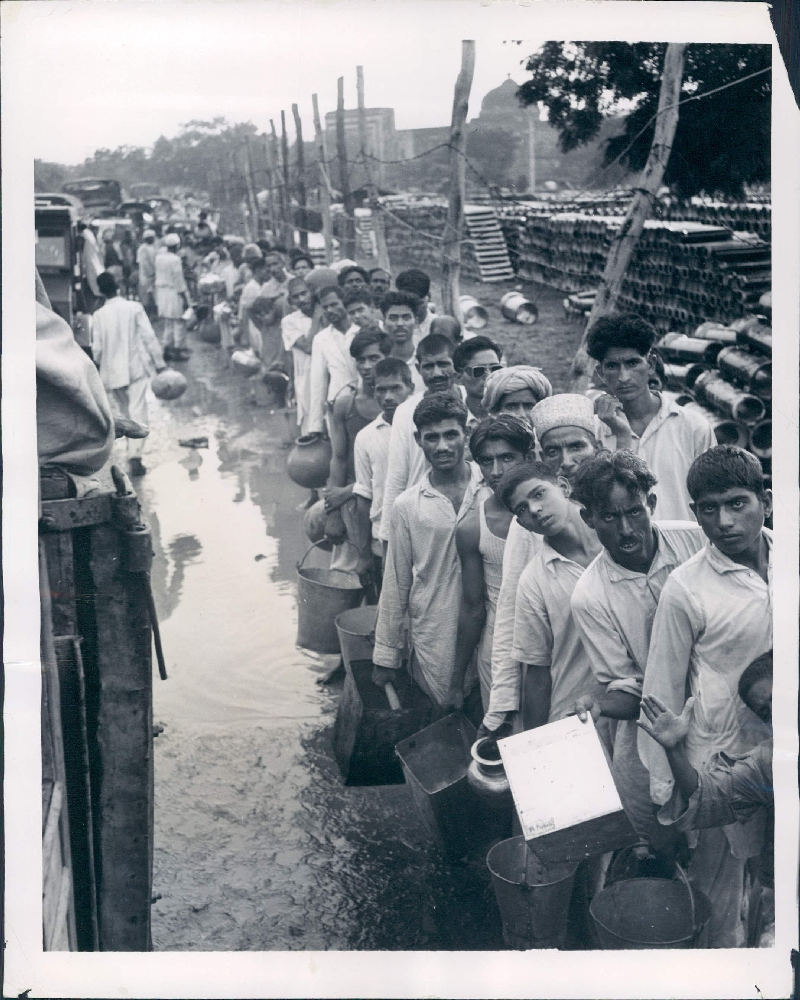 Refugees are in Queue for Water - New Delhi 1947