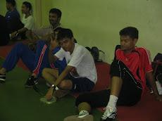 Latihan 1, Ahli Team Badminton - Sesi merehatkan ketiak