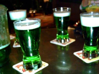 http://1.bp.blogspot.com/_pFEWIKOE5Qs/R92CCTCEpXI/AAAAAAAAB5I/Dfq8Y0yQRNM/s400/0-Irish-Beer.jpg