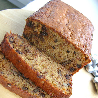 Dragon's Kitchen: Banana Bread with Chocolate Chips and Walnuts