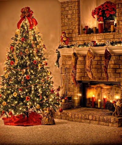 božićne i novogodišnje čestitke slike Božićne slike i e card čestitke: Badnjak u kući, čeka se Božić božićne i novogodišnje čestitke slike