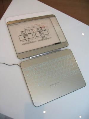 928fc4fa0043c3ccc246b4e14678c8c0 orig Os 10 mais maneiros notebooks conceituais   Curiosidades