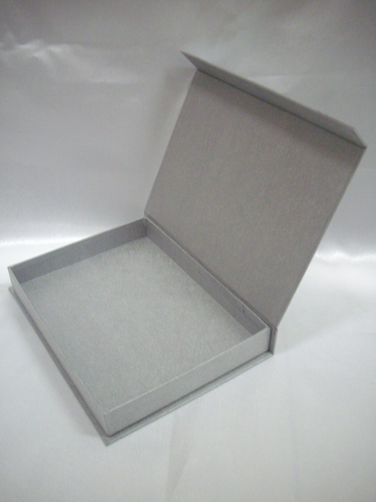 Singapore Gift Boxes: Gift box for presenting a photo ...