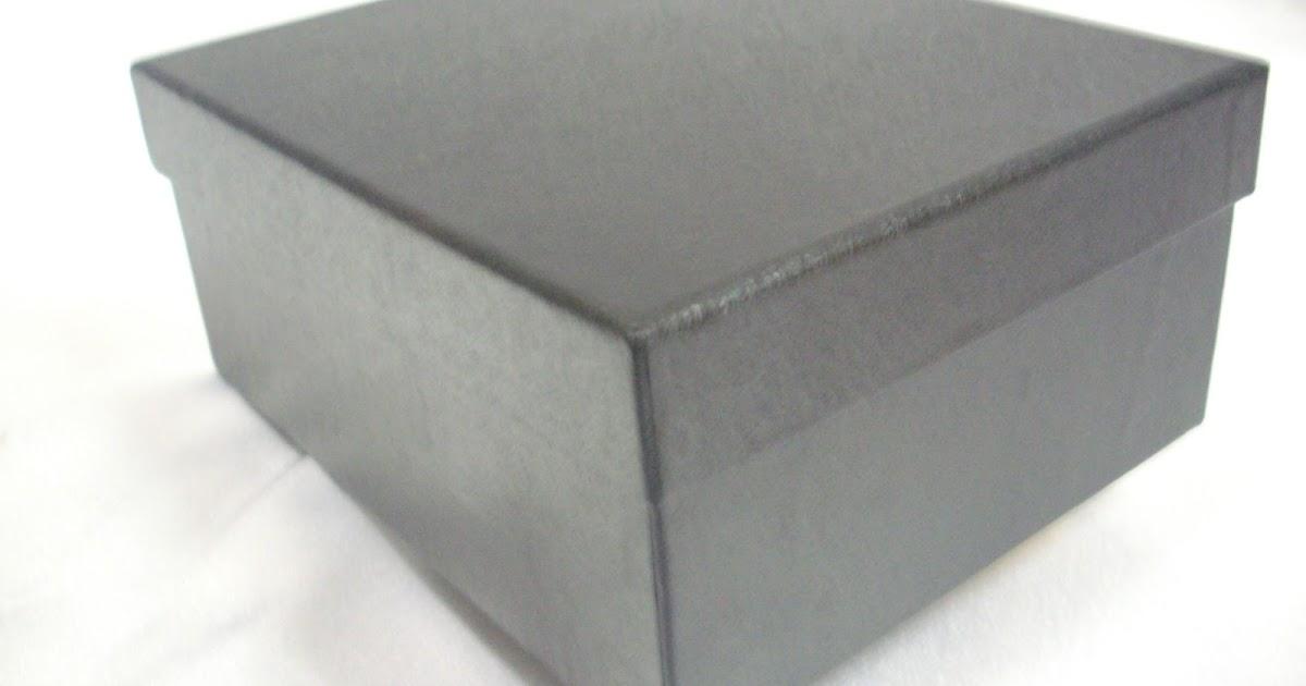 Singapore Gift Boxes: A elegant black rectangle box...