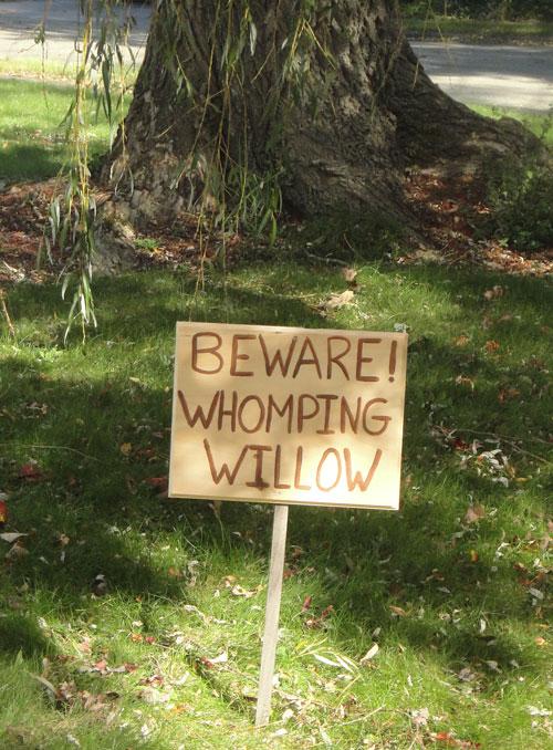 Garden Ideas Nerd Garden Harry Potter Whomping Willow Sign Hogwarts