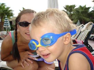 nowomoda: niektórzy noszą okulary przeciwsloneczne, ja też noszę okulary