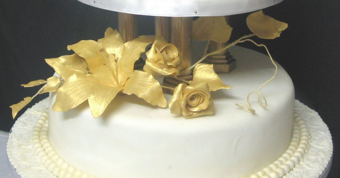 Sugarcraft by Soni: Two -Tier Wedding Cake: Gold Flowers - July 2008