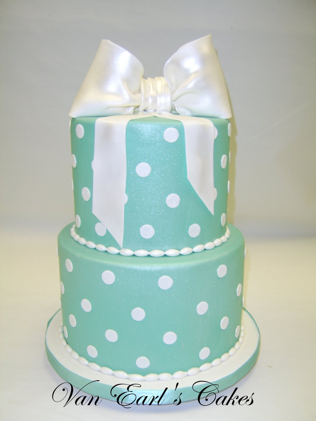 Tiffany style bridal shower cake and cupcakes for friends ...  Tiffany Bridal Shower Cakes
