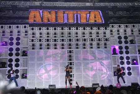 Resultado de imagem para palco da furacão 2000