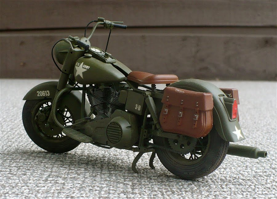 Harley Davidson Army: The Great Canadian Model Builders Web Page!: FLH 1980 U.S