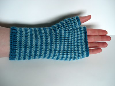 Blues Stripy fingerless mitts