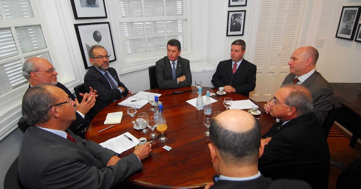 557b9da814147 Aécio Presidente  Anastasia cumpre agenda oficial no Espaço Minas Gerais