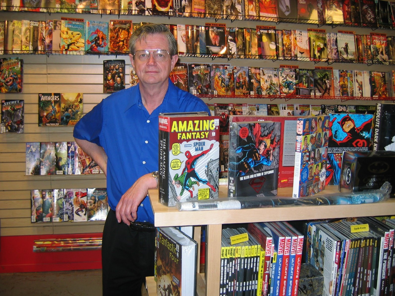 Buddy Saunders: DC COMICS HAS LEFT COMIC STORES OUT