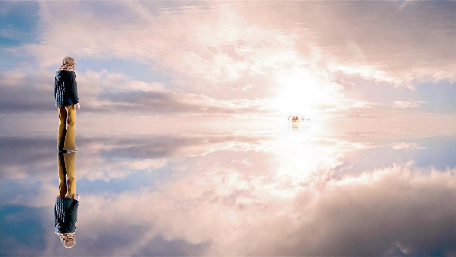 https://1.bp.blogspot.com/_pwEgF3IKxf0/S_n-mfOseyI/AAAAAAAAACY/5muLBYeDcpg/s1600/amabili-resti-immagine-film-1-cielo.jpg