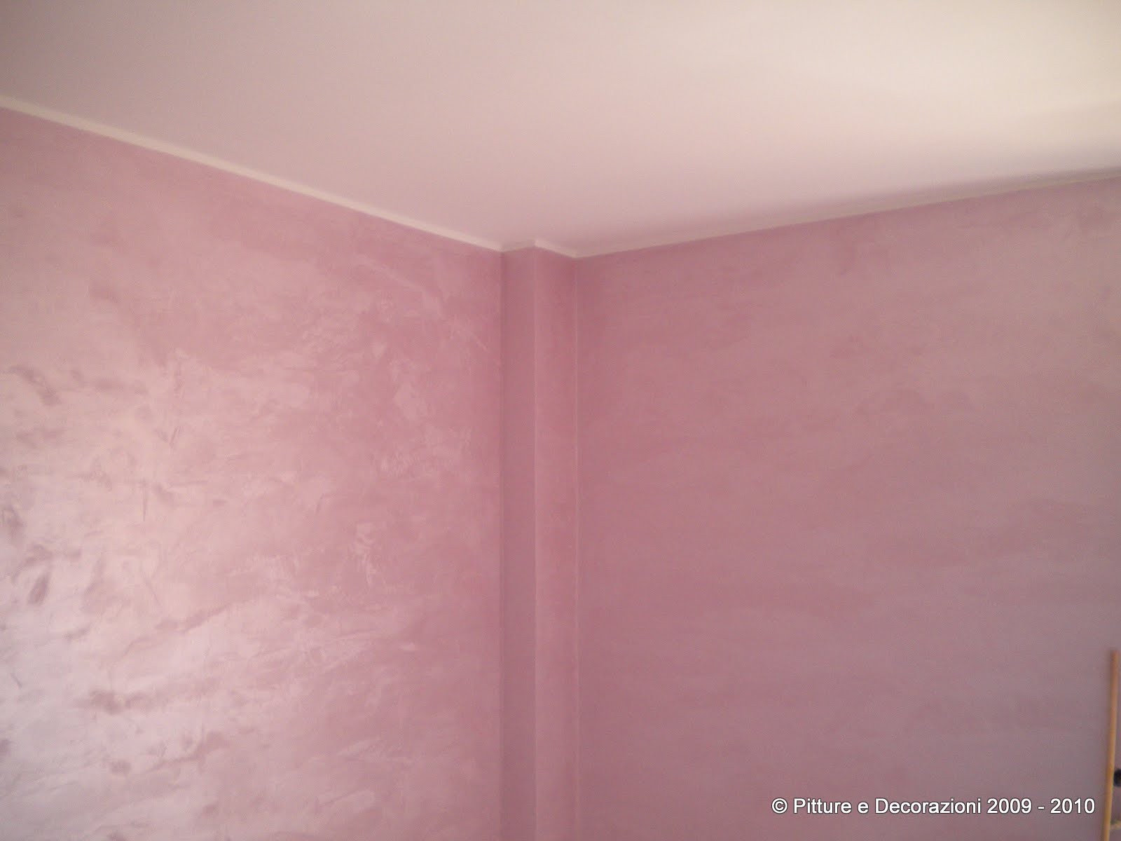 Pareti Rosa Camera Da Letto : Idee pitture interni camera con pareti rosa antico with