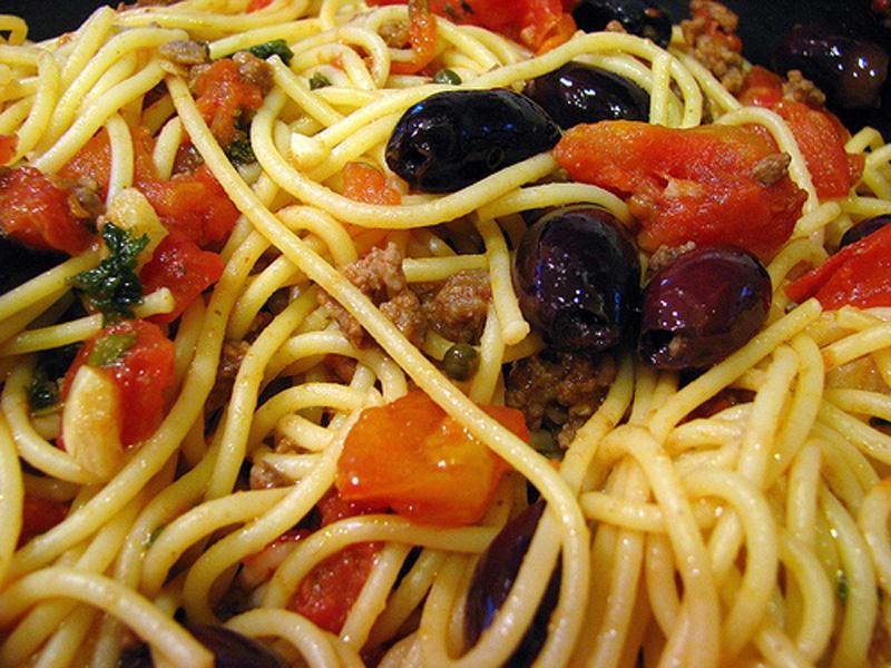 """Spaghetti Pasta Puttanesca Recipe """""""