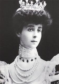 The Vanderbilt Heiress and her historic pearl choker