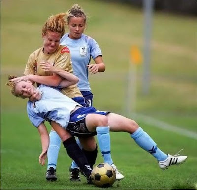Funny Pic - Why girls can't play soccer