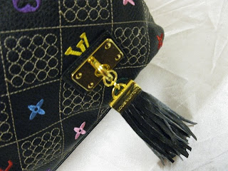 7f81bee5981 The Flower Tots  Louis Vuitton Runway Collection 2009 Shoulder Bag
