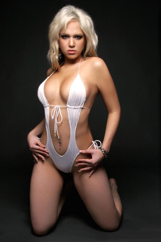 Annabel Torres Nude Photos 20
