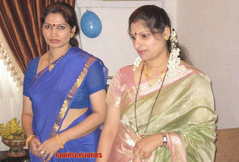 Beautiful Muslim Girls Hot Desi Auntie Cleavage Show-9779