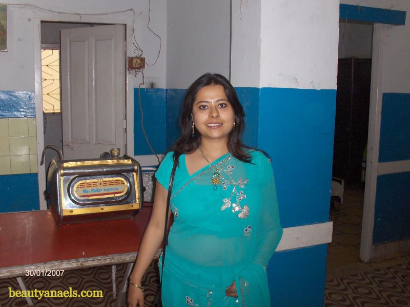 South Indian Actress Blue Film Telugu Sexy Aunty Photo Gallery-9692