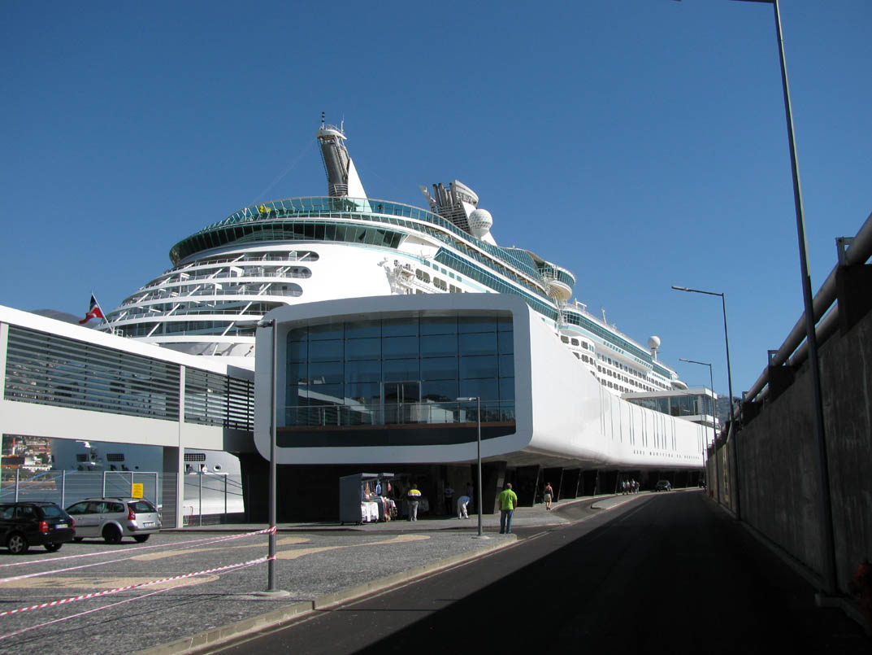 Madeira Maritime Station and a cruise ship