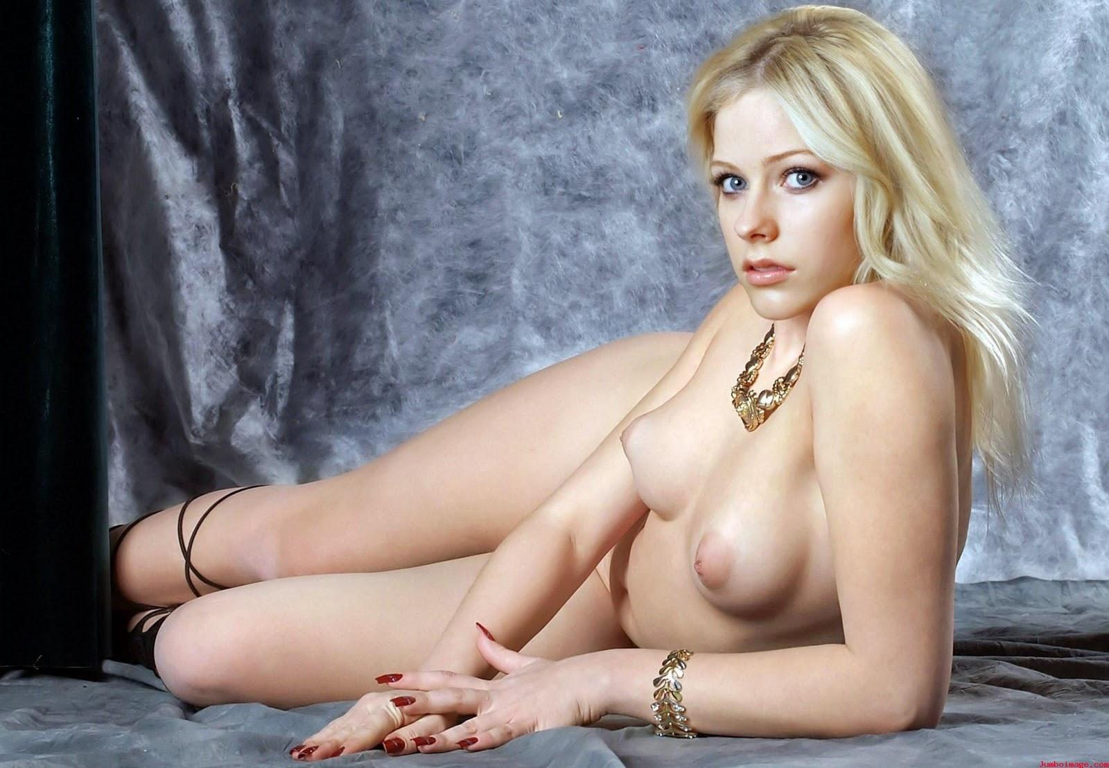 Topless Avril Lavigne Naked Porn Images