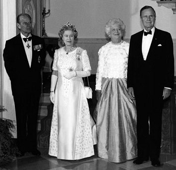 SNIPPITS AND SNAPPITS: MIND CONTROL: QUEEN ELIZABETH II ...  SNIPPITS AND SN...