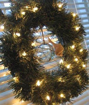 small beachy Christmas wreath