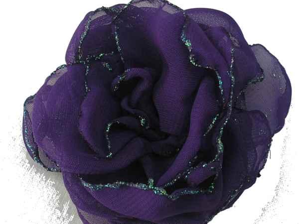 Rosa de gaza violeta con bordes en glitter.