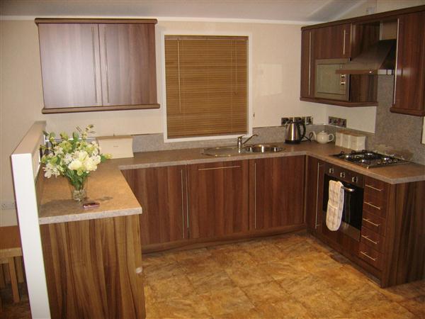 Home Furnishing: Kitchen Cabinets Arrangement
