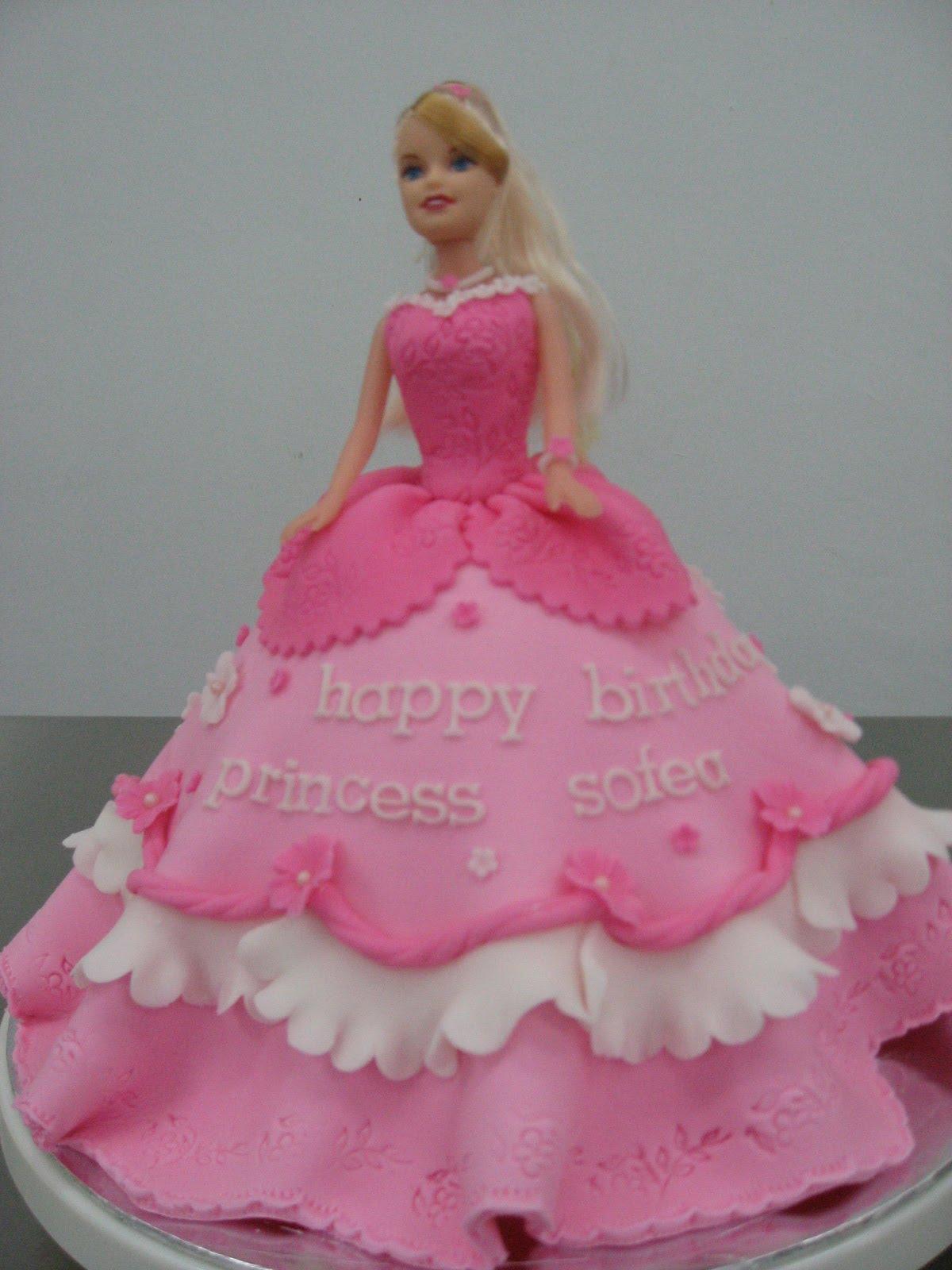 Dari Oven Yang Comel Barbie Cake Class