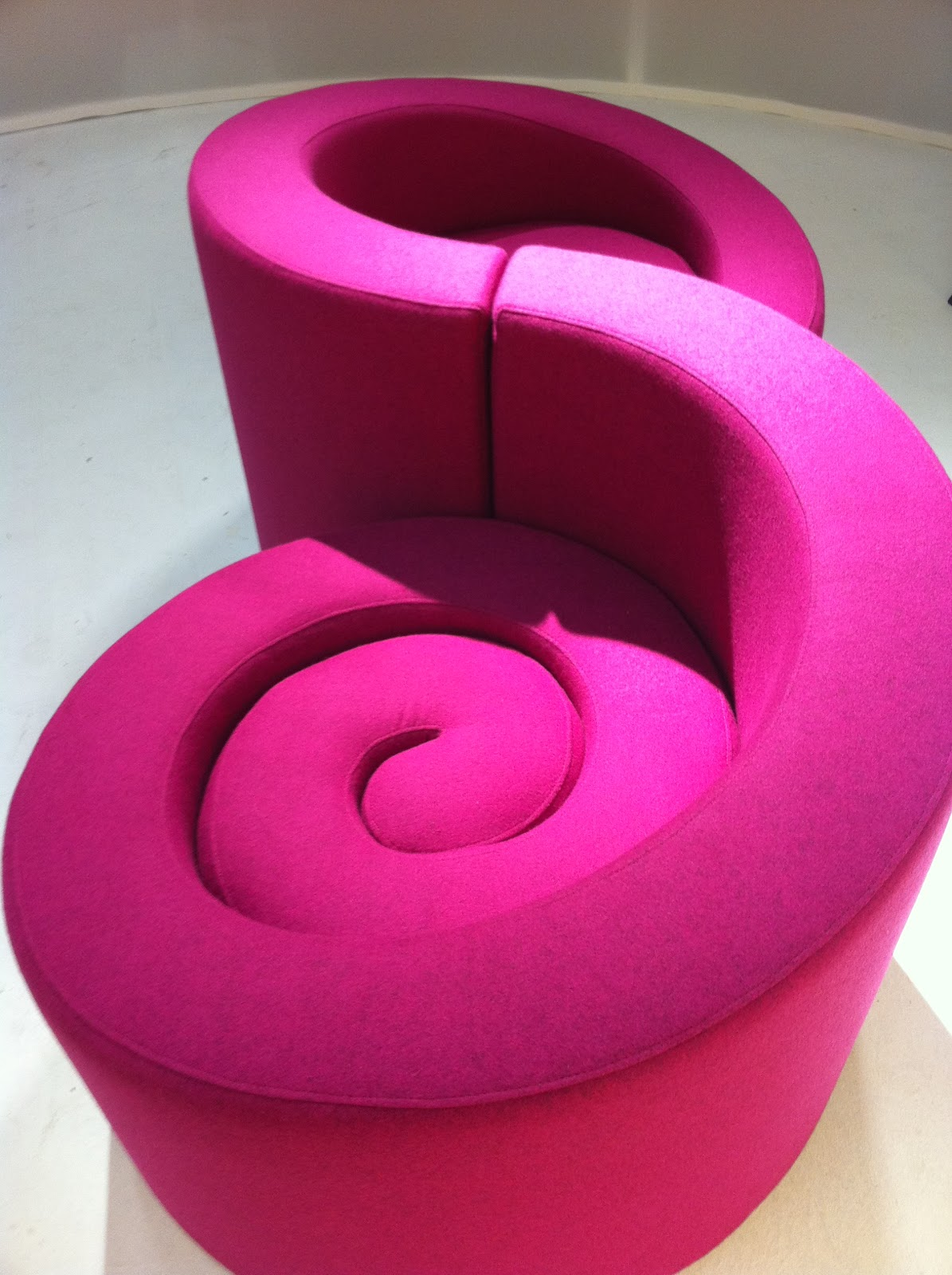 Fauteuils Vis à Vis Through The French Eye Of Design The Confident Chair