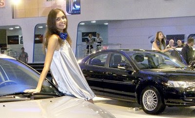 Hot girls from Moscow Auto show 4