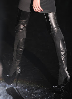 thigh high boots, over the knee boots, tall boots, gucci shoes, Gucci 2009, leather boots