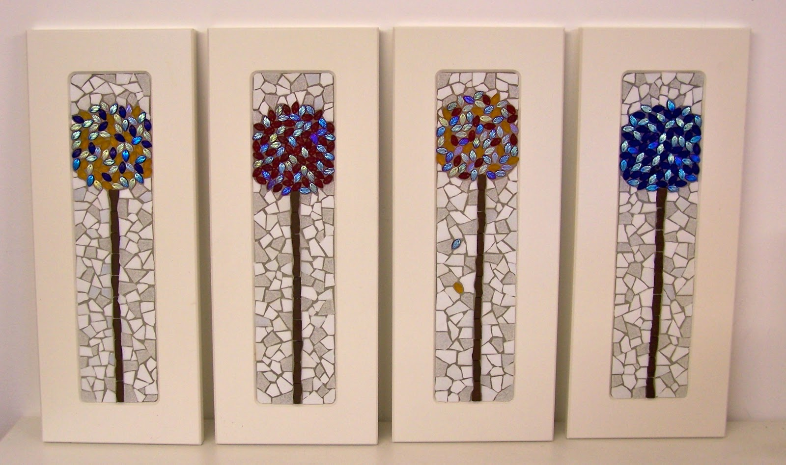 Glittering Shards | Clever, recycled, & cheap mosaic frames