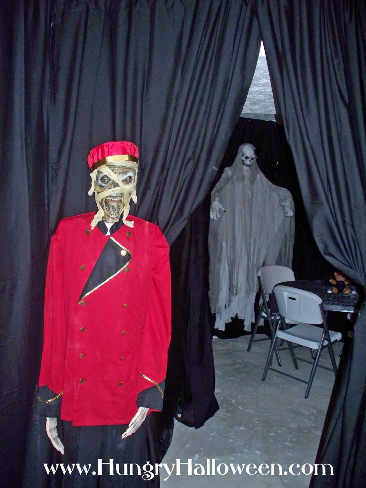 Halloween Decorations Catacomb Cinemas Including Zombie