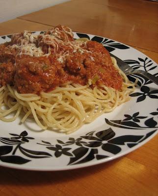 Tomaattinen Lihapullakastike