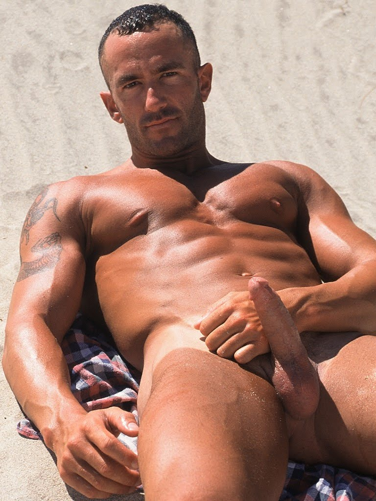 muscular real gay porn