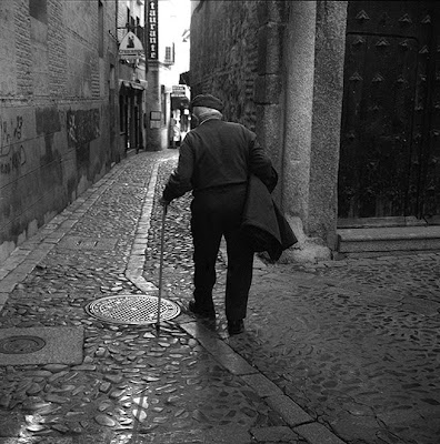man walking away from a woman deanna templeton october 2009 6811